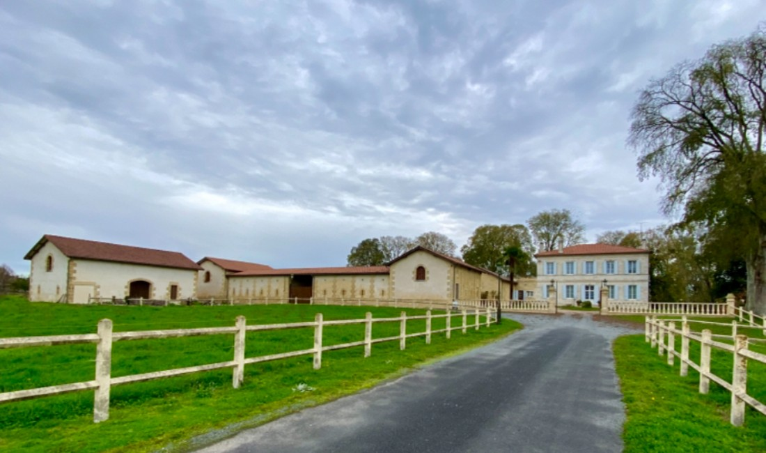 DORDOGNE LAMOTHE MONTRAVEL Houses for sale