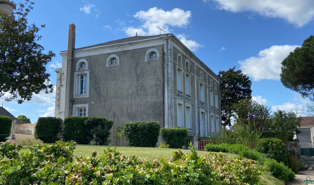 GIRONDE COUTRAS Houses for sale
