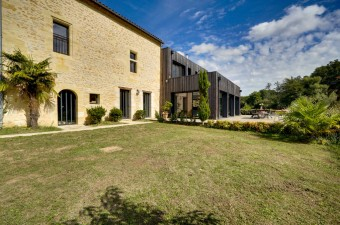 Exceptional stone property with contemporary addition on 3.7ha of land, walking distance to the village of Camblanes and only 12km from the centre of Bordeaux.